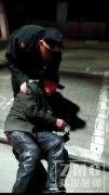 93岁迷路老人半夜躺在路边 好心人帮他找到了家人