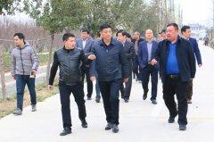 区长李新伟调研春季农业生产工作