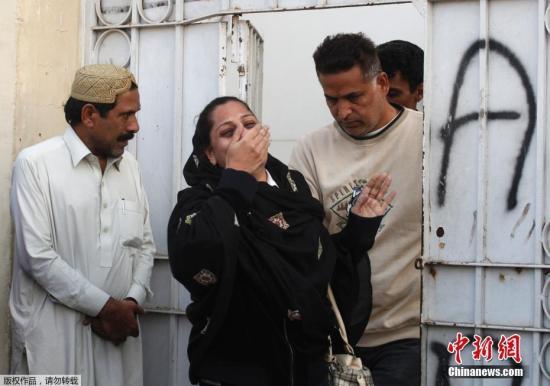 当地时间12月5日,巴基斯坦卡拉奇一家酒店起火,已造成12人死亡,70多人受伤。