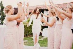 拍婚纱照婚纱应该怎样选 6套礼服就这样选