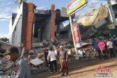 印尼强震4人废墟中获救97人遇难 死亡人数或上升