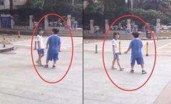 俩小学生当街闹分手 网友:肯定是学校放学太早作业太少