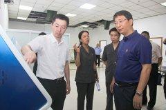市长刘尚进带领市直相关部门负责同志到市中级人民法院调研