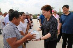 张颖波:要以最贴心的方式解决贫困家庭看病和用药问题