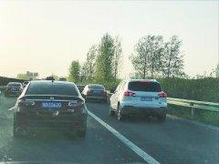 河南2000辆车占应急车道被举报 高速交警欢迎随手拍