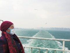 """儿子朋友圈""""直播""""旅程 带84岁老妈去看海"""