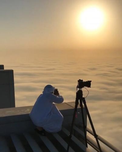 迪拜王子哈姆丹就在这样一个清晨,用手机拍摄了一组美照。