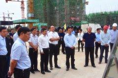 市人大常委会视察安置房建设工作