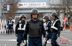 俄总统普京抵达日本 集中讨论和平条约问题(图)