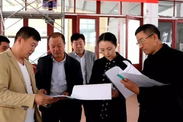 副县长赵向群带队检查学校食品安全工作