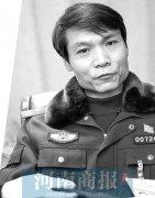 """郑州男子从事法医28年 让死者""""说话""""揭示真相"""