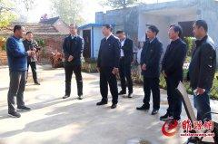 中国青年报、农民日报采访组莅睢采访