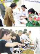 """二七区举行2017年""""慈善周""""活动,25个""""公益+""""项目被90多家企业认领"""