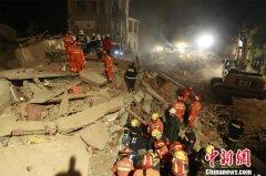 湖北南漳一酒店遭遇山体崩塌 一名被困人员身亡