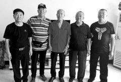 男子1岁被送人 68岁因旅途偶遇找到失散四兄弟