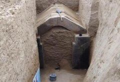 郑州城中村挖出上百座古墓 出土大量陶制葬品及尸骨