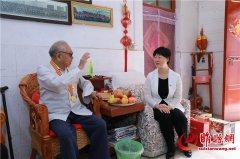 吴海燕看望慰问老干部和老党员