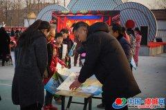 县委防范办开展春节反邪教宣传活动