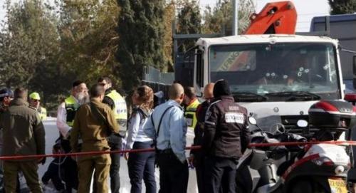 一名司机驾驶卡车冲撞一群士兵,导致4人丧生,13人受伤。法新社
