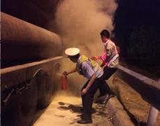 货车高速上爆胎 商丘交警急救援挽回损失60余万元