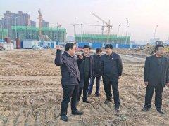郭庆春到植树活动现场调研筹备工作