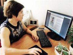 母亲7万字记录女儿12年成长 网友赞:好伟大