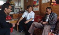 县畜牧局局长柴向阳到分包贫困村检查指导脱贫攻坚工作