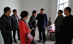 县民政局积极开展扶贫慰问活动