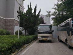 郑州一小区大门被拆将建成住宅 业主却不知情