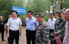市委常委、漯河军分区政委张宏进到我区查看防汛工作