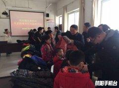 【创文在行动】刘河镇开展关爱困境学生送温暖活动