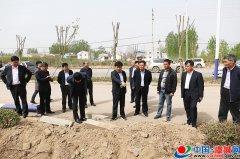 县长白超调研部分项目规划用地情况