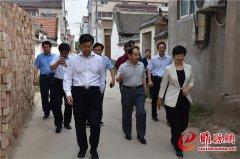 省住建厅调研组到我县调研农村危房改造和城市管理工作