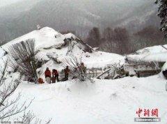意大利遭雪崩酒店被埋人数或达35人 无生命迹象