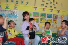 市社会福利院走出的首位女大学生赵晶晶返院就职回报养育之恩