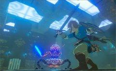 任天堂分享《塞尔达传说:荒野之息》截图守护者在神殿中战斗